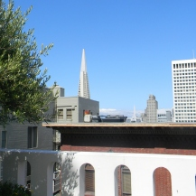 The disappearing spire of the Transamerica Pyramid